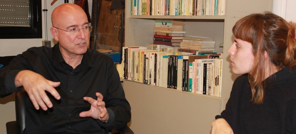 Joan Manuel Tresserras, en un moment de l'entrevista. / Cristina Garde
