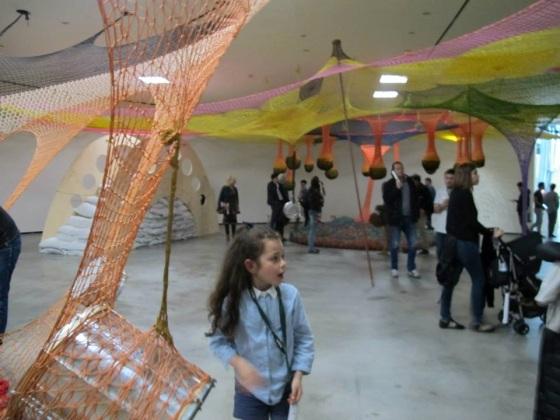 Una de las instalaciones espaciales de Ernesto Neto en el Guggenheim de Bilbao.